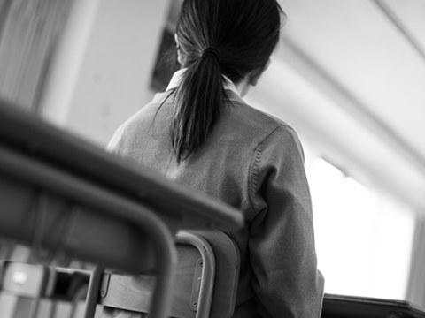 北一女學生墜樓,事發前坐女兒牆